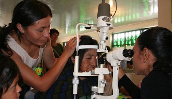Brigada Médica Cubana celebra 12 años de presencia en Bolivia - Operación Milagro | Operación Milagro